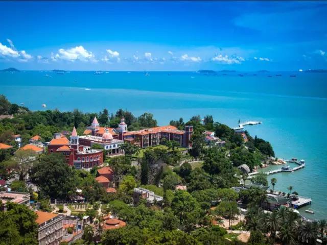 蓝天白云,大海沙滩   美丽的海滨厦门   从自然到人文,处处是风景